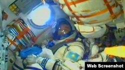 """Айдын Айымбетов """"Союз ТМА-16М"""" ғарыш кемесінде. 2 қыркүйек 2015 жыл."""