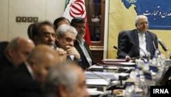 محمدرضا نعمتزاده (نفر اول از راست) وزير صنعت، معدن و تجارت ایران