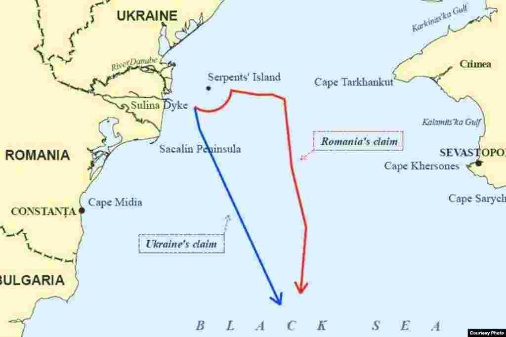 Карти району острова Зміїний із рішення Міжнародного суду – карта 1 - Лінії розмежування, на яких наполягали Україна (синя) та Румунія (червона)