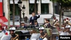 Президент Франции Эммануэль Макрон после церемонии вступления в должность президента. Париж, 14 мая 2017 года.