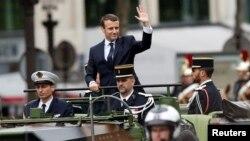 Эммануэль Макрон Франция президенті қызметіне кірісу салтанатынан соң. Париж, 14 мамыр 2017 жыл.