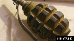 Местные жители утверждают, что в доме дедушки мальчика нашли еще три гранаты