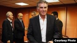 کارلوس کیروش، سرمربی تیم ملی فوتبال ایران همراه با مسوولان ورزش.