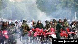 پلیس ضد شورش در روز شنبه ۳۰ خرداد در شهر تهران