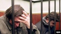 Двое подсудимых признали свою вину, третий признал вину частично