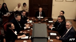 Встреча лидеров парламентских партий с президентом Греции
