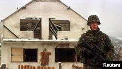 Bosnia-Soldat olandez din trupele pentru menținerea păcii conduse de NATO