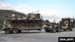 Forțe turcești la granița cu Siria