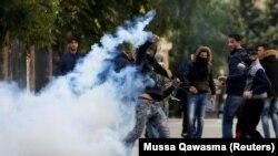 Вифлеемдегі палестиналықтардың Израиль полициясымен қақтығысы. Израиль, 7 желтоқсан 2017 жыл.