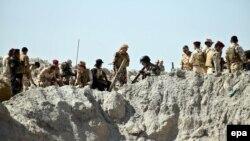 Pjesëtarë të ushtrisë së Irakut gjatë një operacioni në Amirijat Falluxha