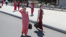 Türkmen häkimiýetleri pula mätäçdigi barada arza ýazan studentleriň ýurtdan goýberilmejekdigini duýdurýar