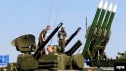 """2011 елда Жуковскидагы МАКС күргәзмәсендә Русиянең """"Бук-М2"""" системы"""