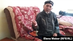 Досжан Жумкин, житель дома, в котором 1 января обрушился подъезд. Поселок Шахан Карагандинской области, 10 января 2017 года.