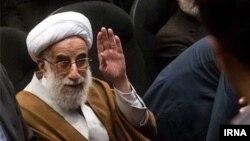 احمد جنتی از سال ۱۳۷۱ دبیر شورای نگهبان است. او از سال ۱۳۵۹ که شورای نگهبان تاسیس شد، عضو این شورا بوده است.