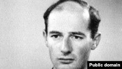 Fotografia de pașaport a lui Raoul Wallenberg, iunie 1944