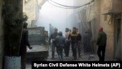 ارتش سوریه و متحدانش طی یک هفته اخیر ناحیه تحت کنترل شورشیان در غوطه شرقی را به شدت زیر حملات هوایی و توپخانه گرفتهاند.