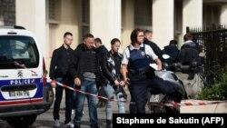 Припадници на француската полиција. Архивска фотографија