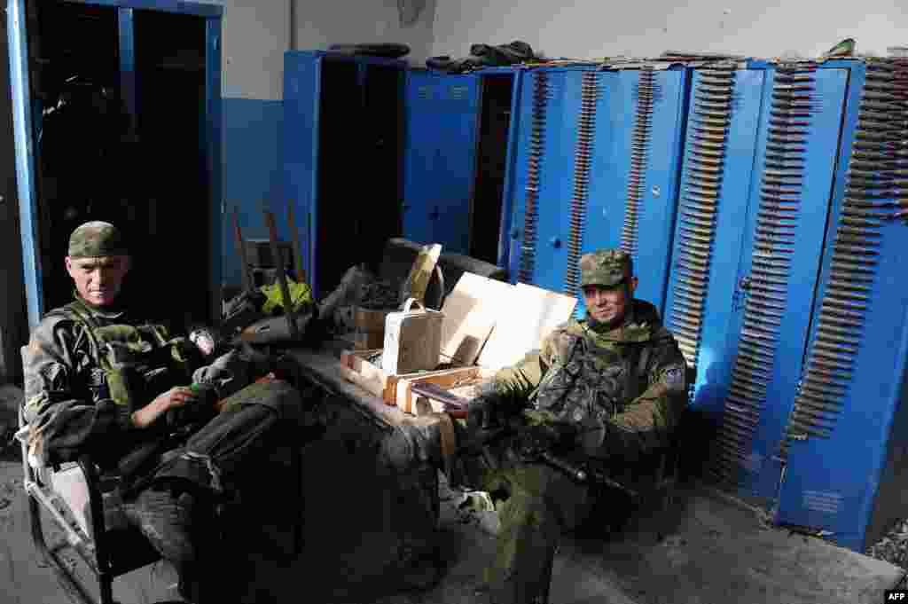 Донецк әуежайындағы ресейшілсепаратистер. 16 қазан 2014 жыл