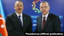 Ильхам Алиев (слева) и Реджеп Таййип Эрдоган