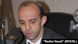 Раҷаби Мирзо, рӯзноманигори шинохтаи тоҷик.