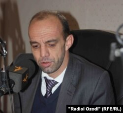 Раҷаби Мирзо, коршиноси тоҷик