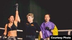 Ясемин Карабазар объявляется победительницей боя (фото - из личного архива спортсменки).