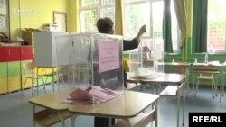 Glasanje na opštim izborima u Srbiji