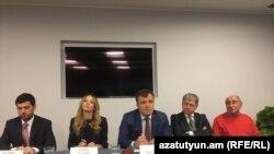 Европейские наблюдатели на пресс-конференции в Армении. Ереван, 4 декабря 2018 (архив)