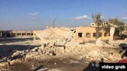 Последствия российских бомбардировок полевого госпиталя, относящегося сирийско-американскому медицинскому обществу (САМС) на северо-западе города Сармин. 20 октября, 2015 года.