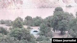 В результате селя более 20 домов в кишлаке Хостав оказались под водой