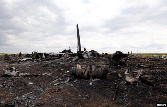 Обломки самолета ИЛ-76. 14 июня 2015