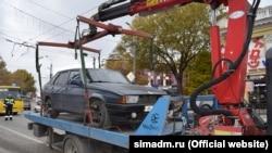 Принудительная эвакуация авто в Симферополе, архивное фото