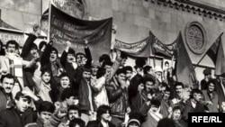 Meydan hərəkatı, 1988-89