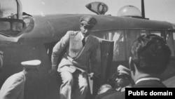 بازگشت شاه به ايران متعاقب سقوط دولت دکتر محمد مصدق در روز ۲۸ مرداد ۱۳۳۲