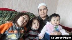 Орусияда эмгектенген кыргыз мигранттын үй-бүлөсү. 14-январь 2014
