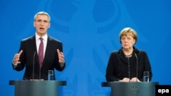 Sekretari i Përgjithshëm i NATO-s, Jens Stoltenberg dhe kancelarja gjermane, Angela Merkel