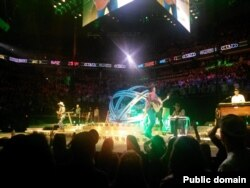 Гарт Брукс на концерте в Миннеаполисе. 2014