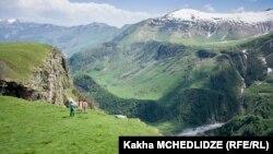 В горах Гудаури