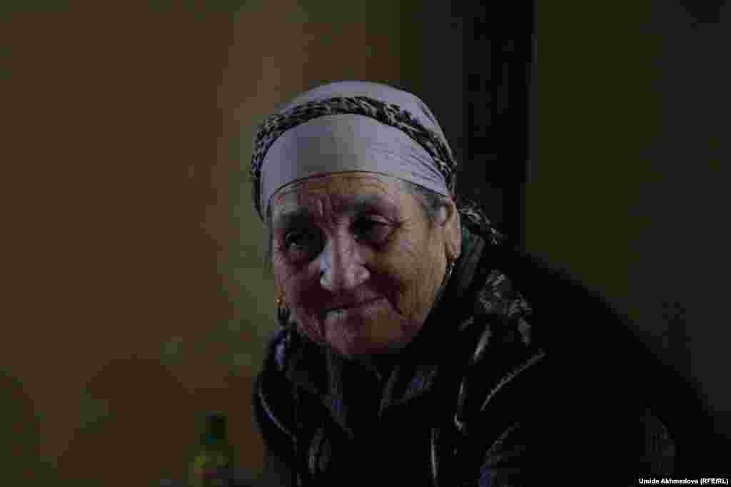 Толеген Жураев вместе с супругой Олмес воспитали троих сыновей и нескольких дочерей. Все дети уже взрослые, создали свои семьи.