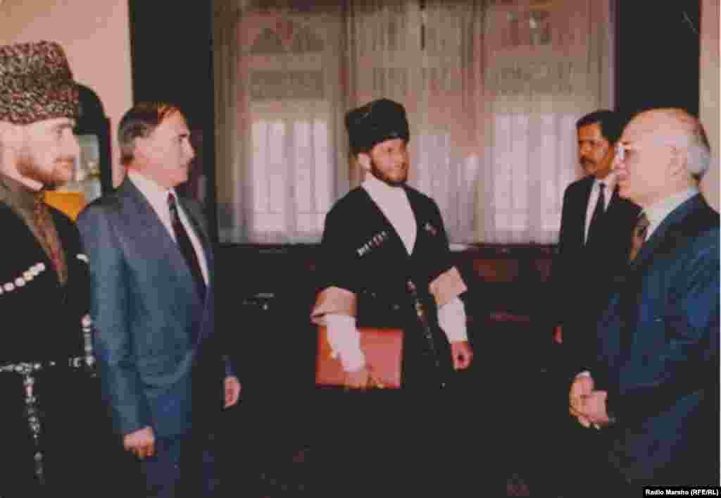 ХьаьжцIа воьду 11 Нохчийчуьра стаг тIеэцна, цаьрца къамел дира Урдунан паччахьа Хьусейна, 1993