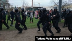 """Полицейские на акции """"Он нам не царь"""" в Санкт-Петербурге"""