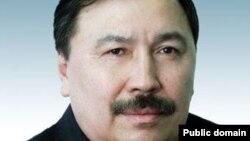 Қазақстан парламент сенаты аппаратының бұрынғы жетекшісі Ержан Өтембаев.