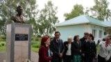 Bashkortostan -- Ufa Tatars remembered Tatar and Bashkir writer Mazhit Gafuri, Ufa, Zilim-Karan 1-2aug2019