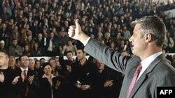 Hashim Thaqi na predizbornom skupu u Prištini