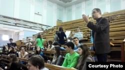 Протесты студентов РГГУ против лекции Николая Старикова (архивное фото)