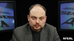 Vladimir Kara-Murza, urging sanctions on Russian human rights abusers, said he was poisoned because of his opposition activities.