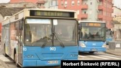 Ćirilični natpisi na autobusima gradskog prevoza u Novom Sadu