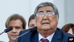 Guvernatorul demisionar Aman Tuleiev la Kemerovo