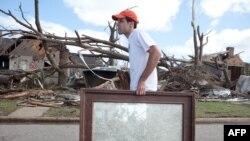 У місті Таскалуса, штат Алабама, після торнадо