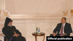 Azerbaijan -- President Ilham Aliyev meets with the visiting head of the Armenian Apostolic Church, Catholicos Garegin II, 26 April 2010.
